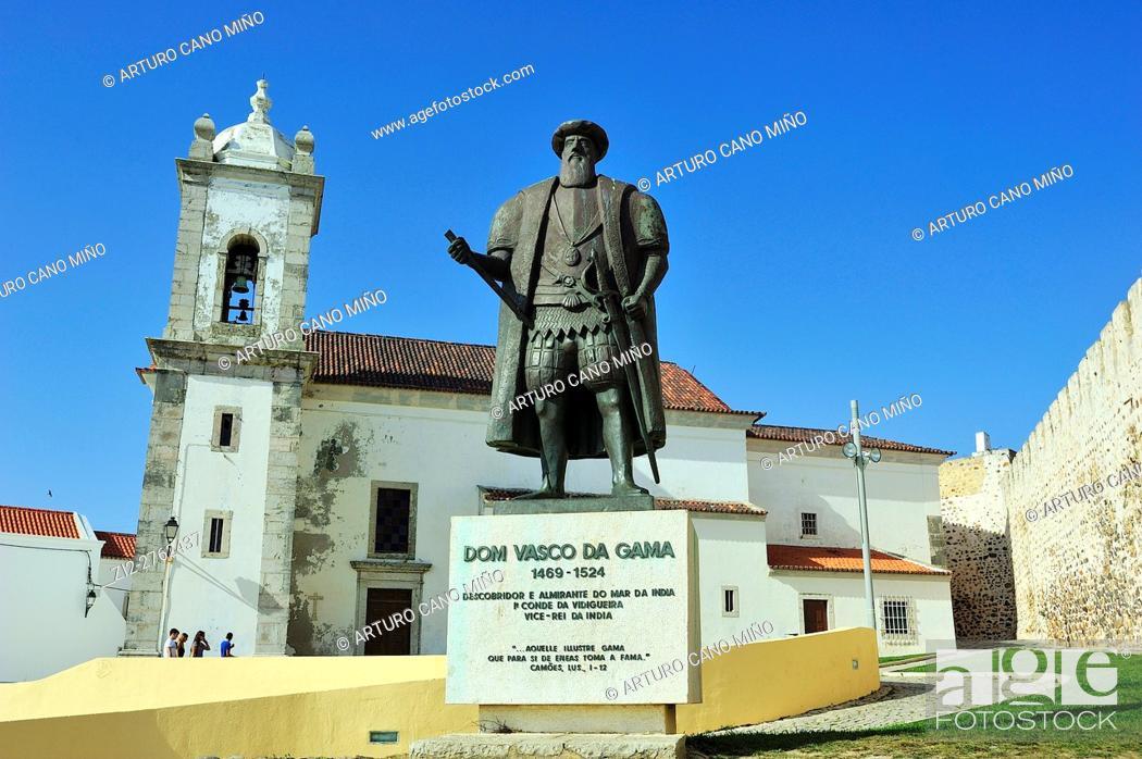 Imagen: The monument of Vasco de Gama. Sines, Alentejo region, Portugal.