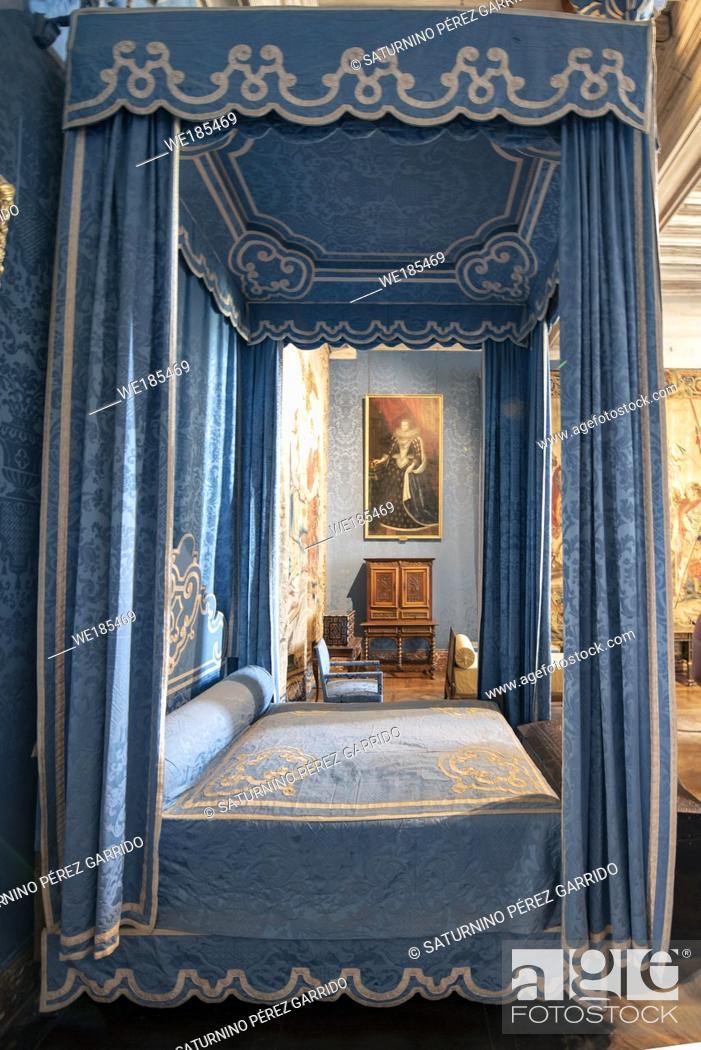 Stock Photo: Queen's bedroom in Chambord Castle, France.