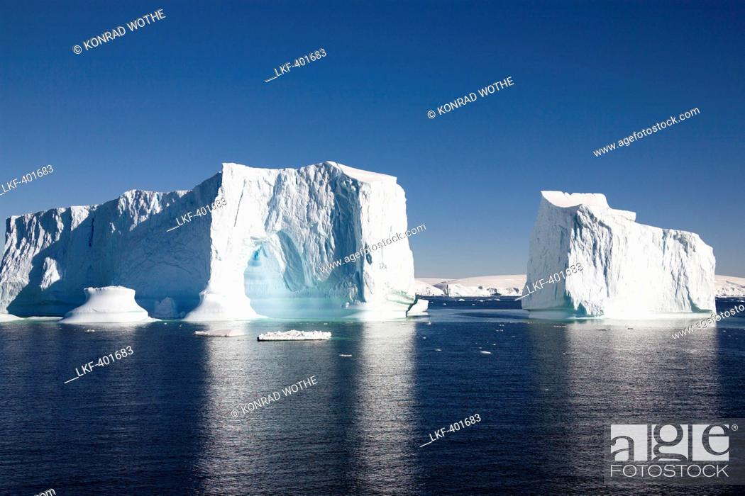 Imagen: Icebergs, Southern Ocean, Antarctic Peninsula, Antarctica.