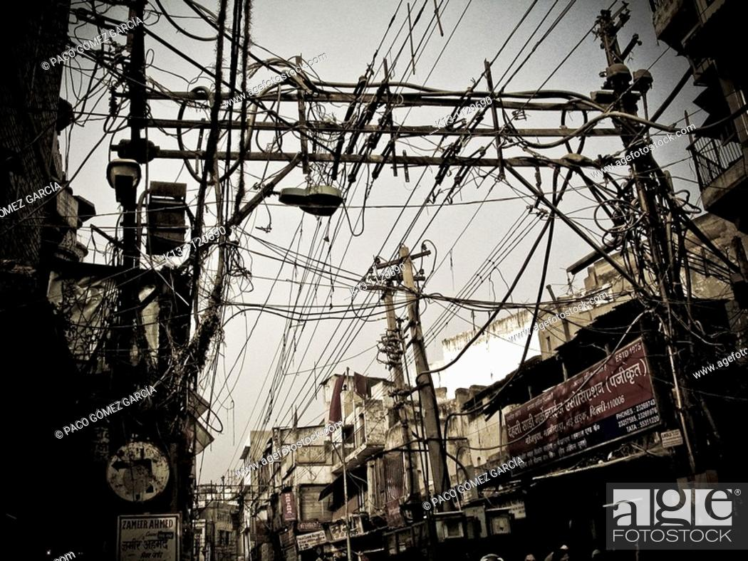 Stock Photo: Tangle of cables  Chandni Chowk Bazaar  Old Delhi  India.