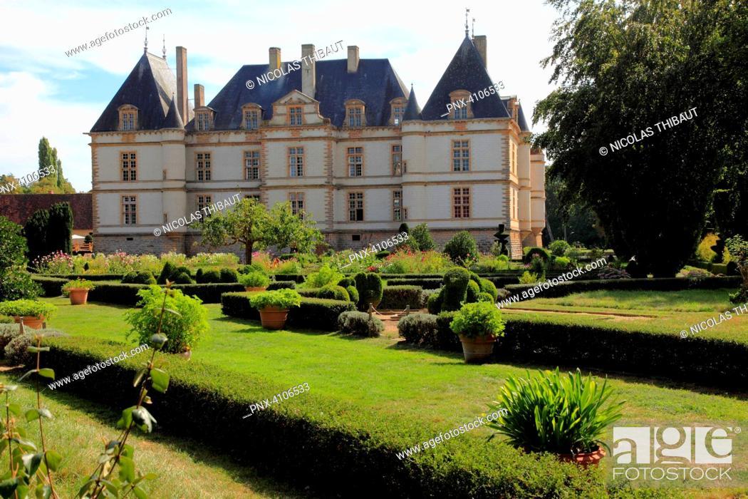 Stock Photo: France, Bourgogne Franche Comte, Saone et Loire department (71), Cormatin, the castle.