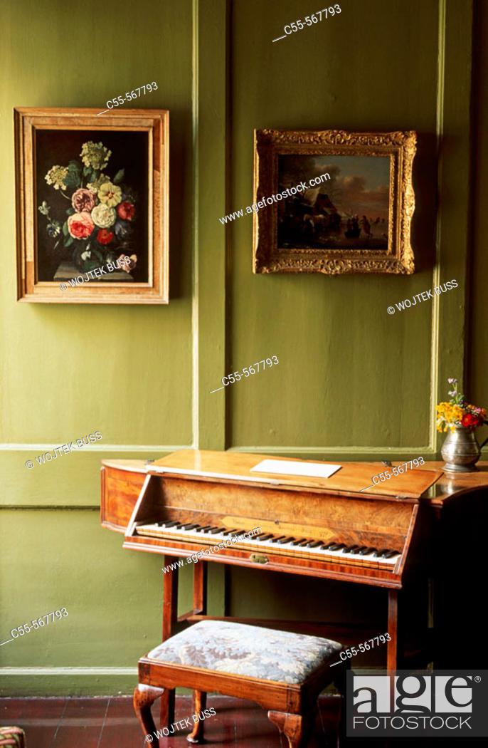 Stock Photo: Gladstones Land. Edinburgh. Scotland. UK.