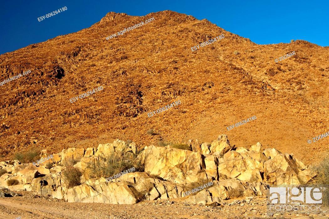 Stock Photo: Wild desert-like landscape in the Richtersveld.