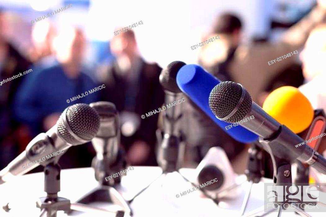 Imagen: Press conference.