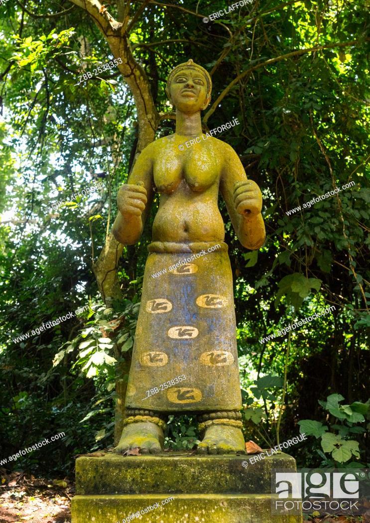 Stock Photo: Benin, West Africa, Ouidah, deity figure in kpasse sacred forest.