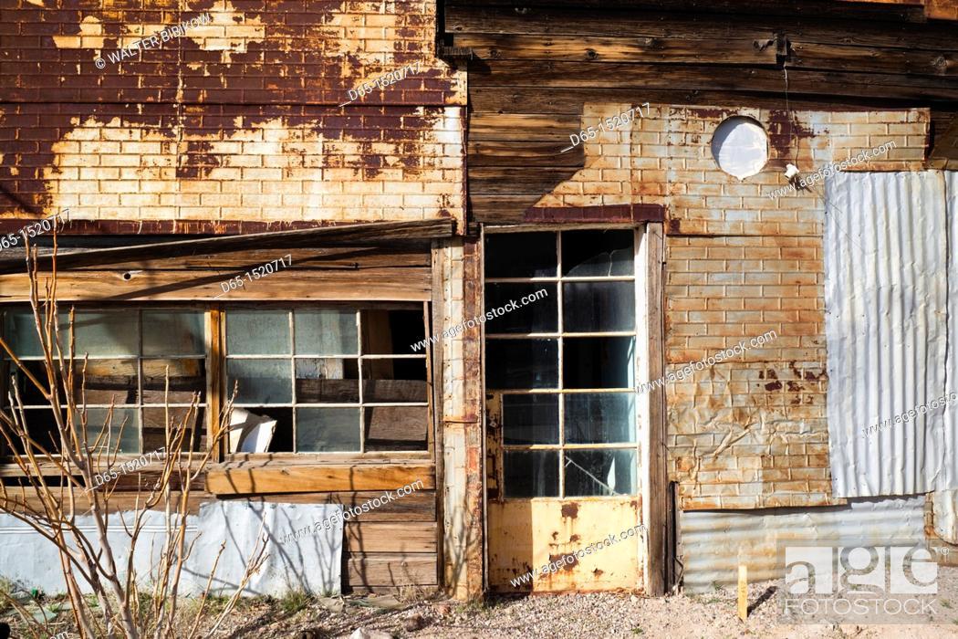 Stock Photo: USA, Nevada, Great Basin, Goldfield, abandoned store.