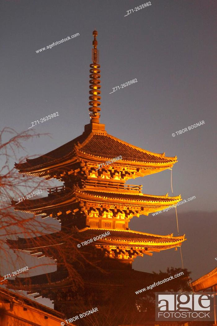 Stock Photo: Japan; Kyoto, Higashiyama, Yasaka Pagoda,.