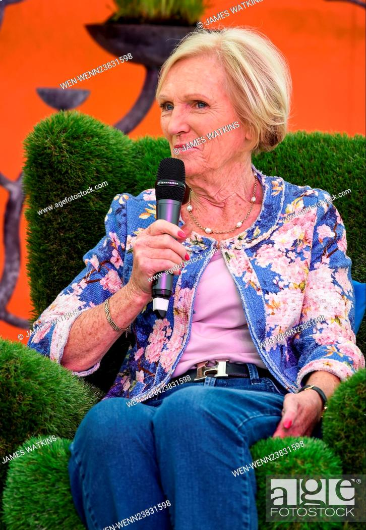 Mary Berry Makes A Special Appearance Onstage At The Rhs Malvern Spring Festival And Is Joined By An Stock Photo Picture And Rights Managed Image Pic Wen Wenn23831598 Agefotostock