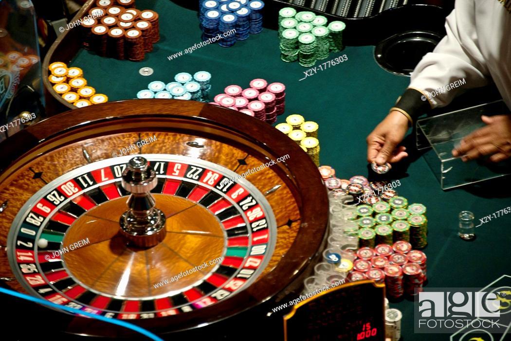 Photo de stock: Casino roulette table.