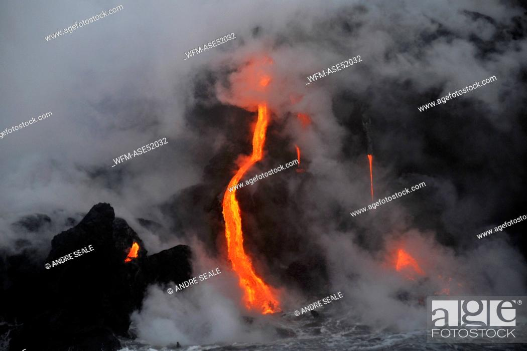 Stock Photo: Molten Lava floats into Ocean, Volcanoes National Park, Kilauea, Big Island, Hawaii, USA.