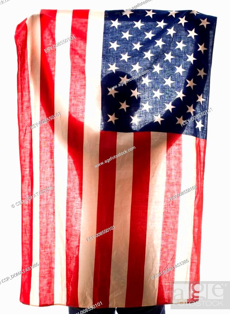 Imagen: Holding flag.