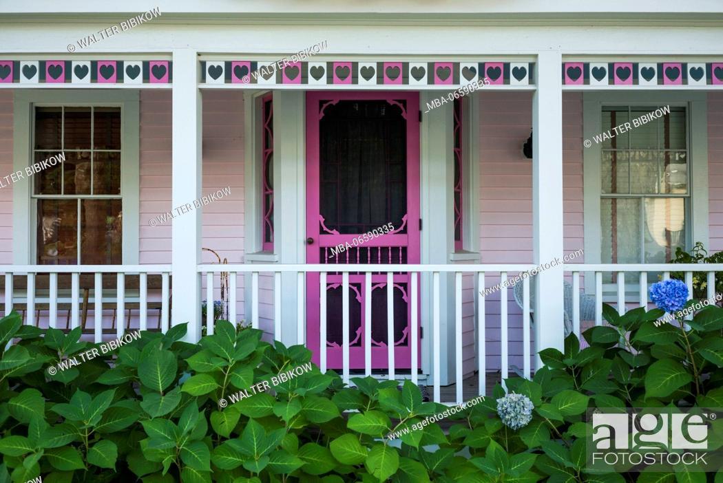Stock Photo: USA, Maine, Portland, Casco Bay, Peaks Island, island house detail.