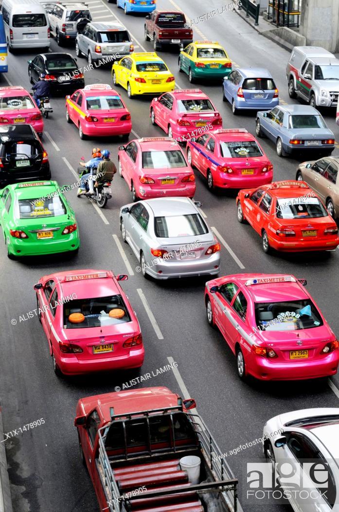 Stock Photo: Thailand, Bangkok, Traffic near Siam BTS Skytrain Station.