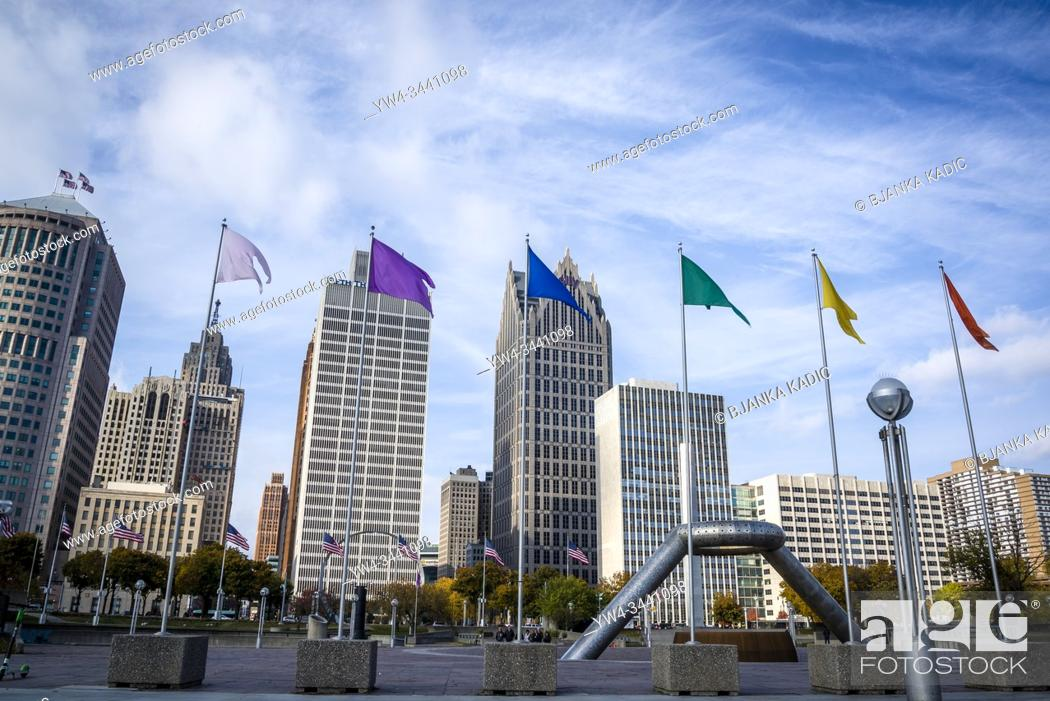 Stock Photo: Philip A. Hart Plaza with the Horace E. Dodge and Son Memorial Fountain and the skyline of the Financial District in Detroit, Michigan, USA.