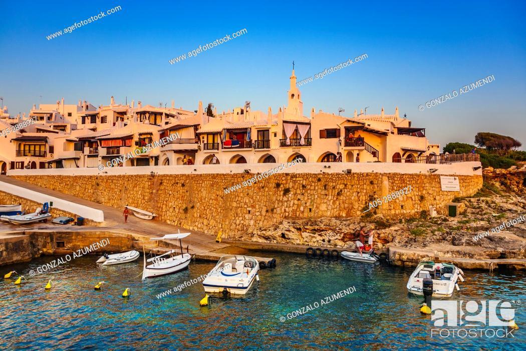 Imagen: Binibeca Vell, Fishing Village. Minorca, Balearic Islands, Spain.