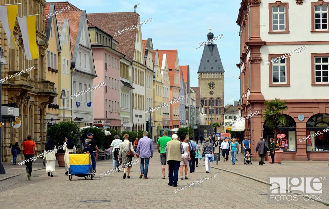 Imagen: Passers-by on Maximilianstrasse street, Via Triumphalis street, Altpoertel gate at the back, Speyer, Rhineland-Palatinate, Germany, Europe, PublicGround.