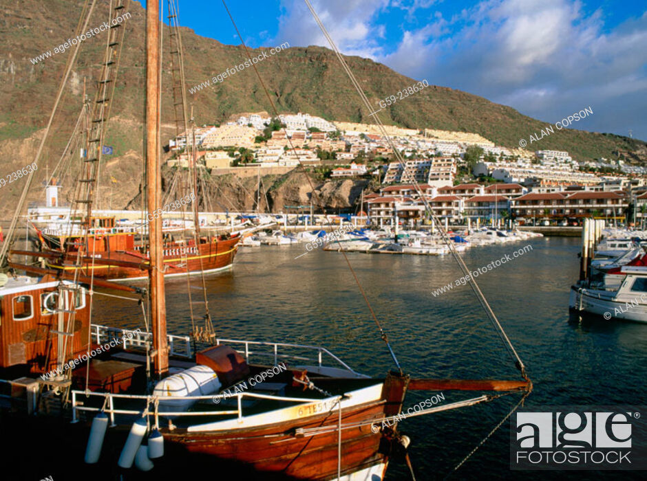 Stock Photo: 'Los Gigantes'. Town and marina. Tenerife. Canary Islands. Spain.