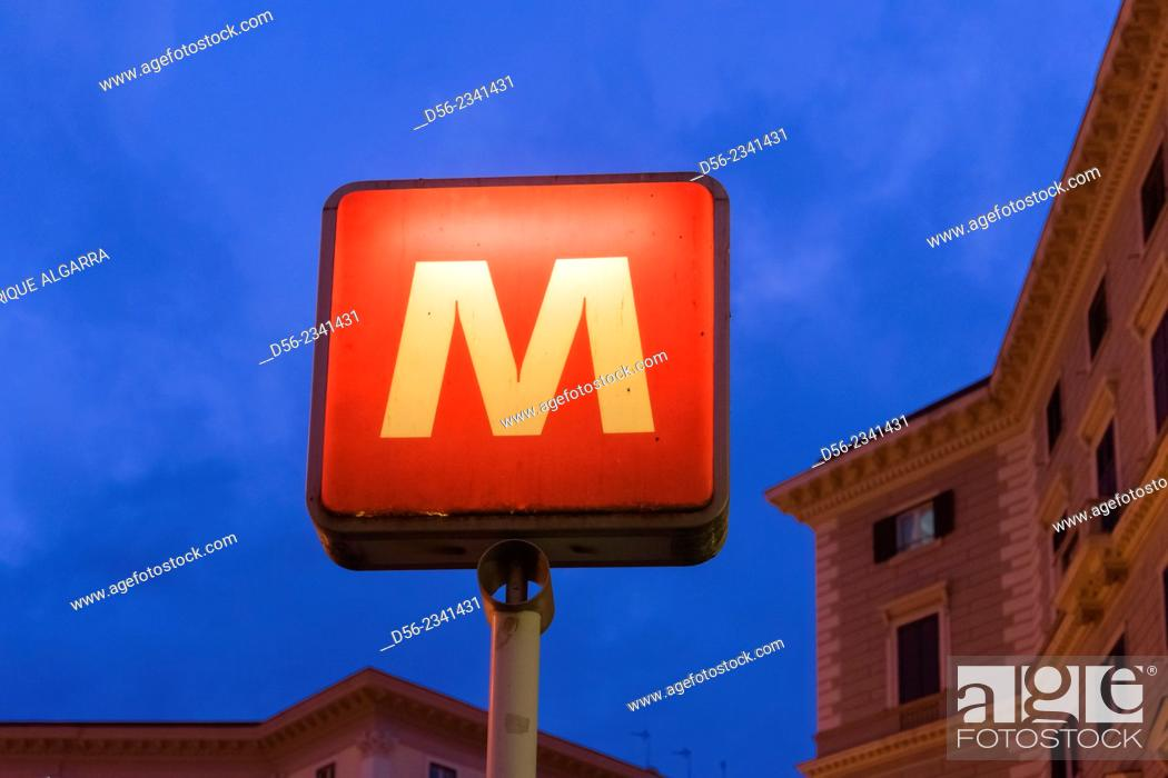 Imagen: Metro sign at dusk, Naples, Italy.