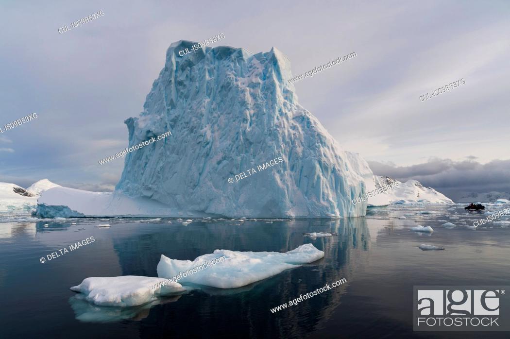 Imagen: Skontorp cove, Paradise Bay, Antarctica.