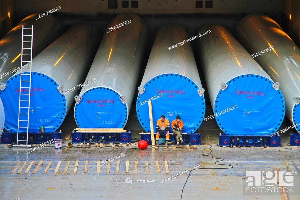 Stock Photo: Loading eolic towers at Aviles harbor, Asturias, Spain, Europe.