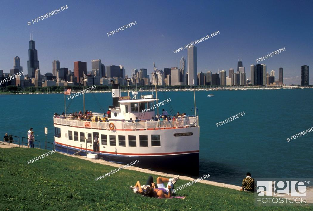 Stock Photo: tour boat, Chicago Harbor, Chicago, IL, Lake Michigan, Illinois, Sightseeing tour boat loading passengers in Chicago Harbor.
