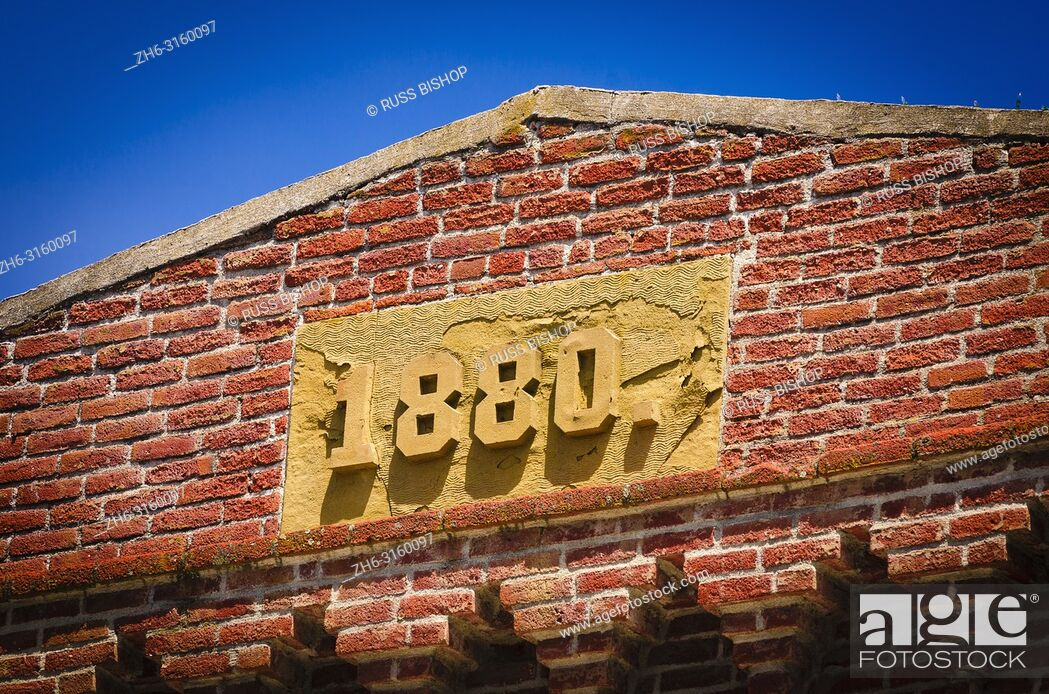 Stock Photo: Red brick building circa 1880, Jacksonville, Oregon USA.