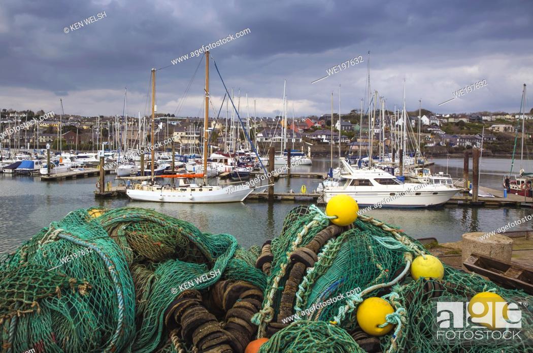 Photo de stock: Kinsale, County Cork, Republic of Ireland. Eire. The harbour.