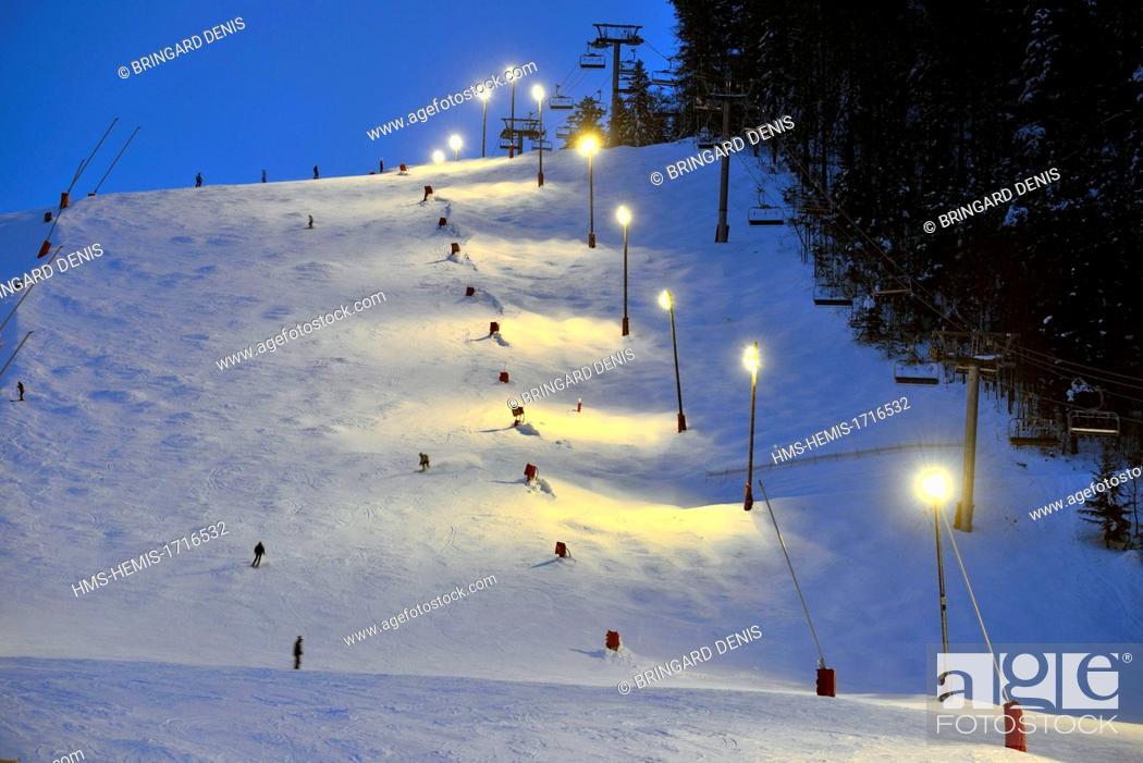 Stock Photo: France, Vosges, La Bresse, La Bresse Hohneck ski area.