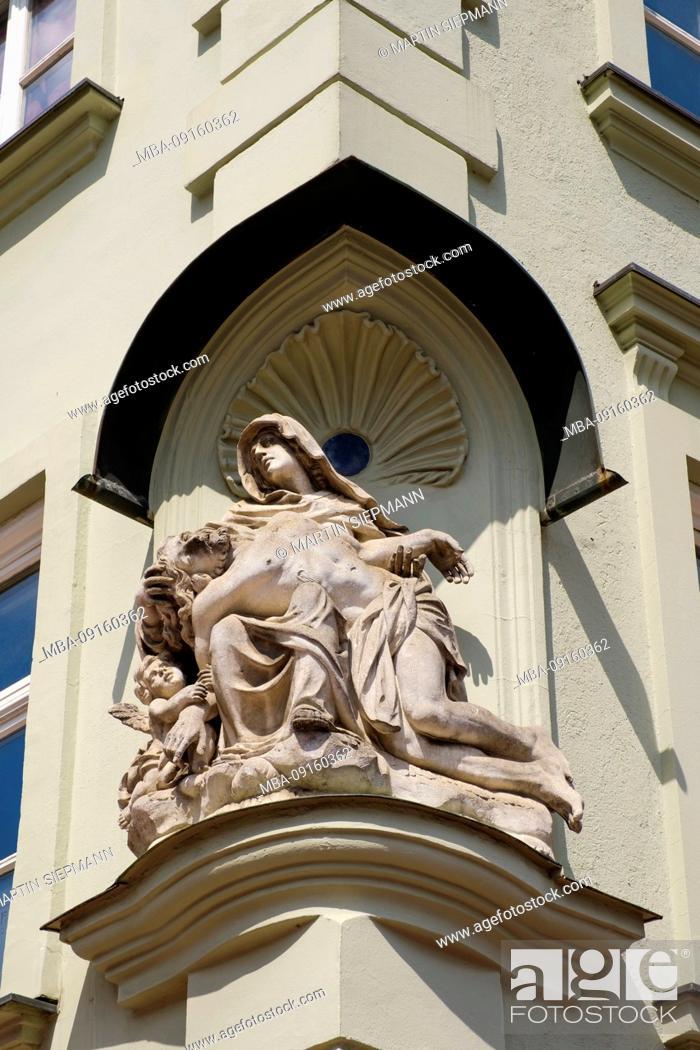 Photo de stock: Pieta on facade, Imperial City Department Store, Maximilianstraße, Augsburg, Swabia, Bavaria, Germany.