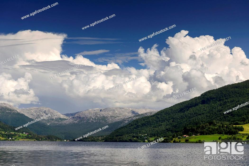 Stock Photo: Sognefjord, Norway / Sognefjord, Norwegen.