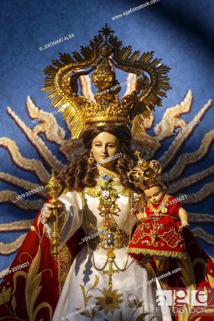 Imagen: Image of the Blessed Virgin of the rock at hermitage Virge de la Peña, white village of Mijas. Malaga province Costa del Sol.