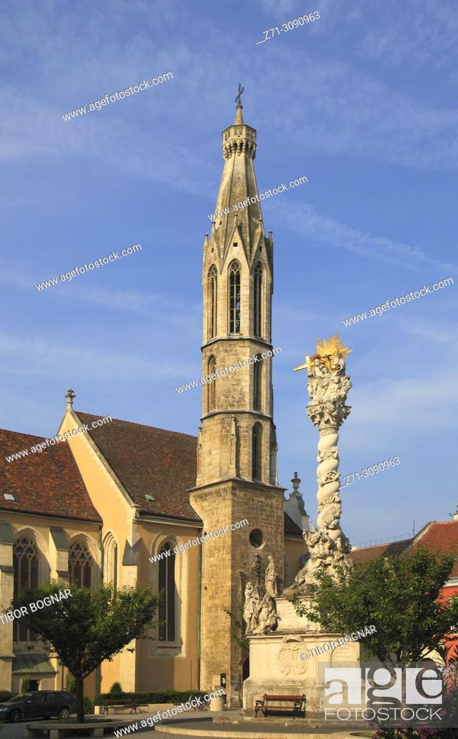 Imagen: Hungary, Sopron, Main Square, Benedictine Church, Trinity Column, .