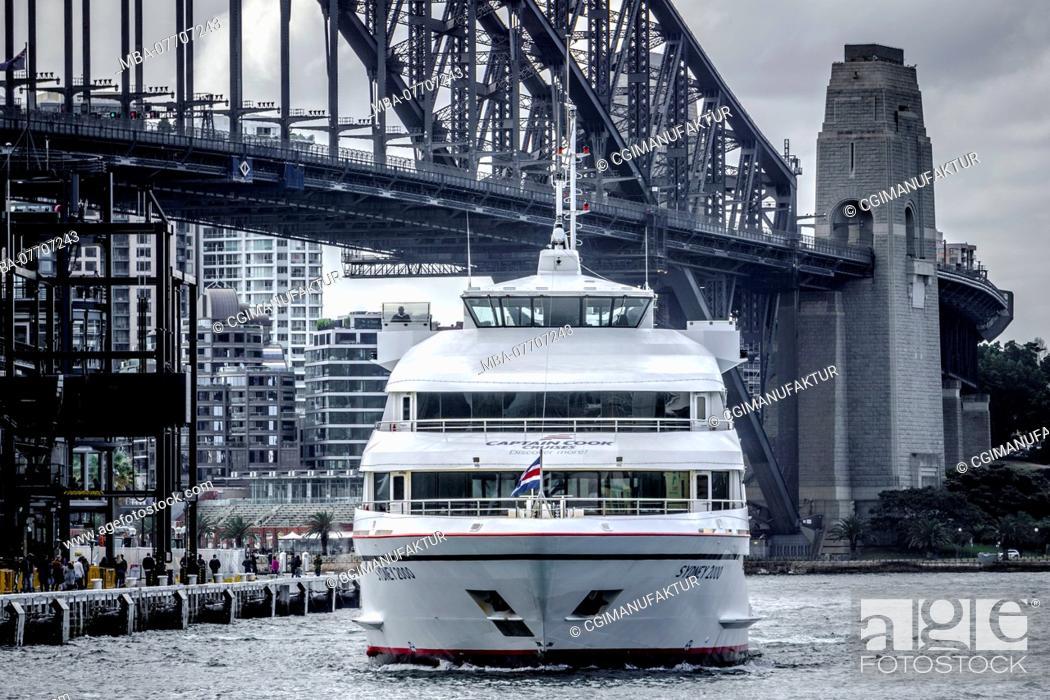 Stock Photo: Sydney Harbour Bridge.