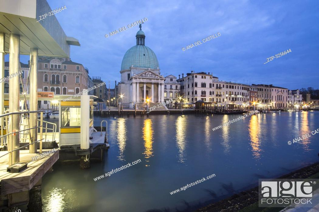 Imagen: Venice, Veneto, Italy: Twilight in Grand Canal.