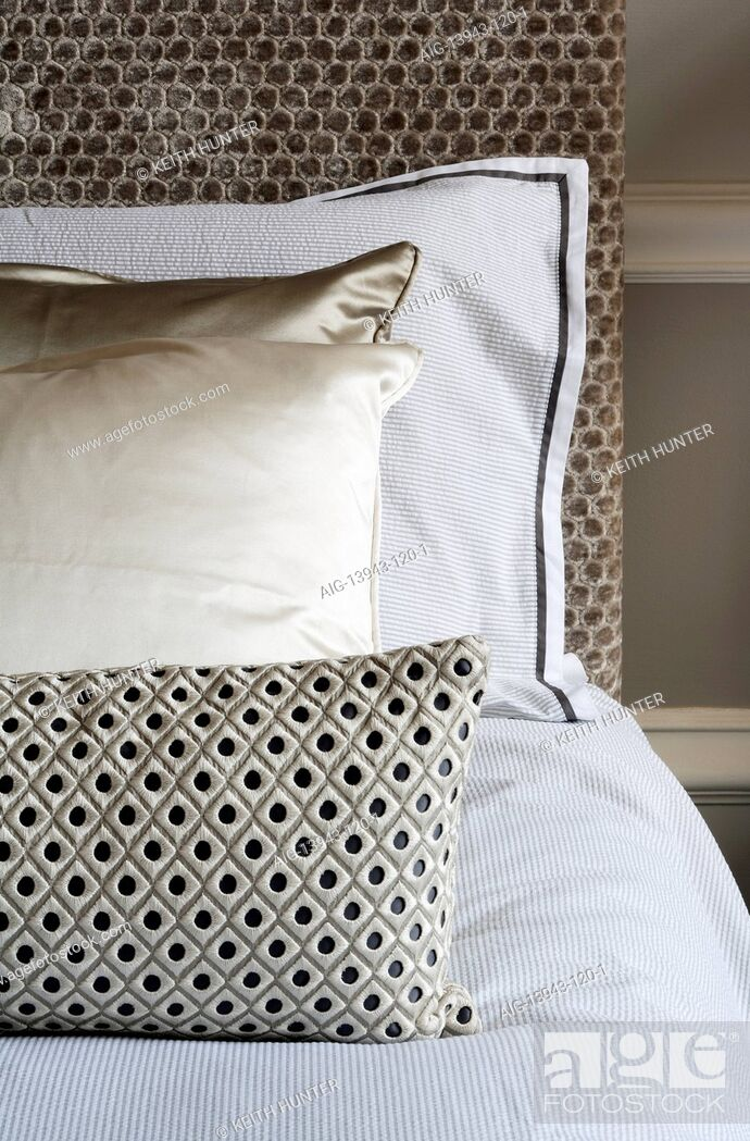 Stock Photo: Detail of double bed in traditional bedroom, Devonshire Terrace, Glasgow, Scotland, UK.