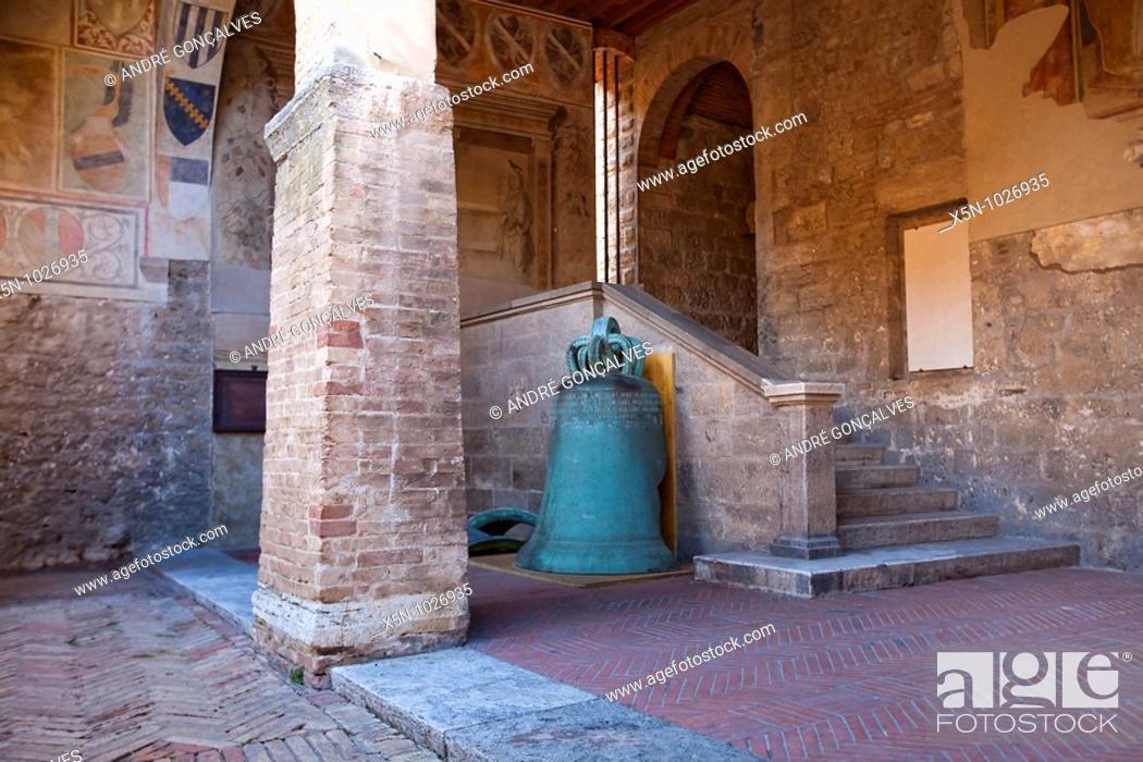 Stock Photo: San Gimignano, Tuscany, Italy.