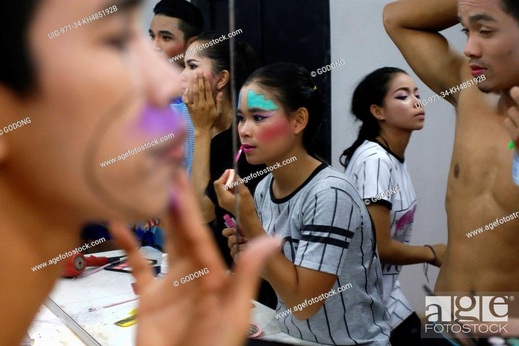 Stock Photo: Phare Ponleu Selpak. Make-up before a performance in Battambang.
