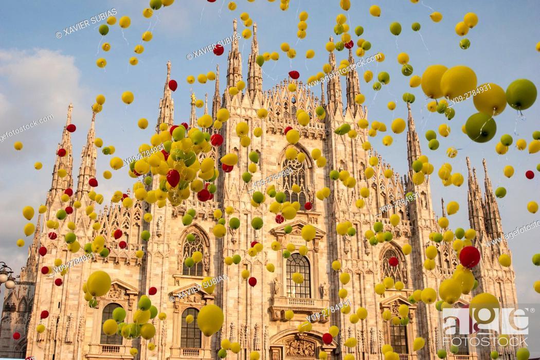 Stock Photo: Duomo, Milan, Lombardy, Italy.