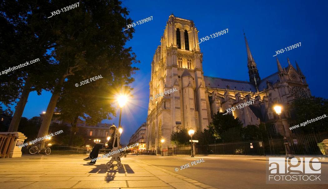 Stock Photo: Notre-Dame cathedral, Île de la Cité, Paris. France.