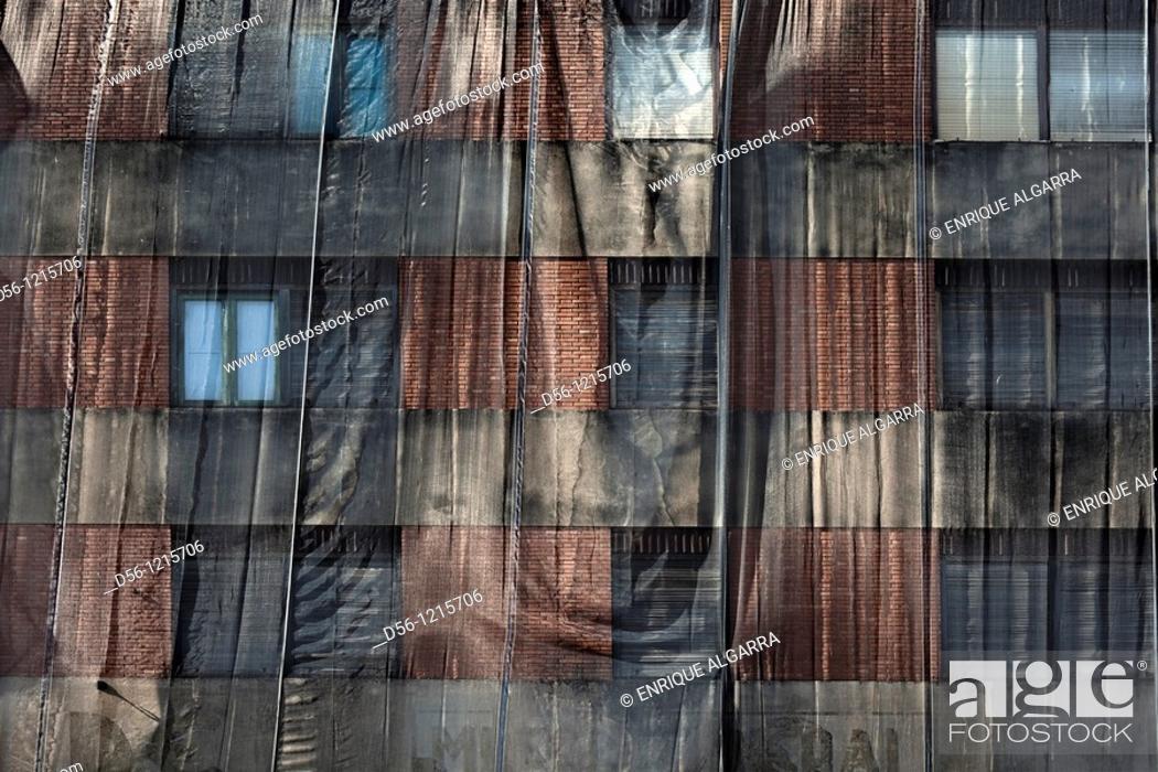 Stock Photo: Building in refurbishment, Valencia, Spain.