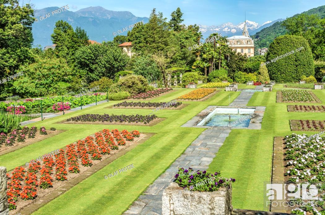 Stock Photo: Garden of Villa Taranto at Lago Maggiore, Pallanza, Piemont, Italy.