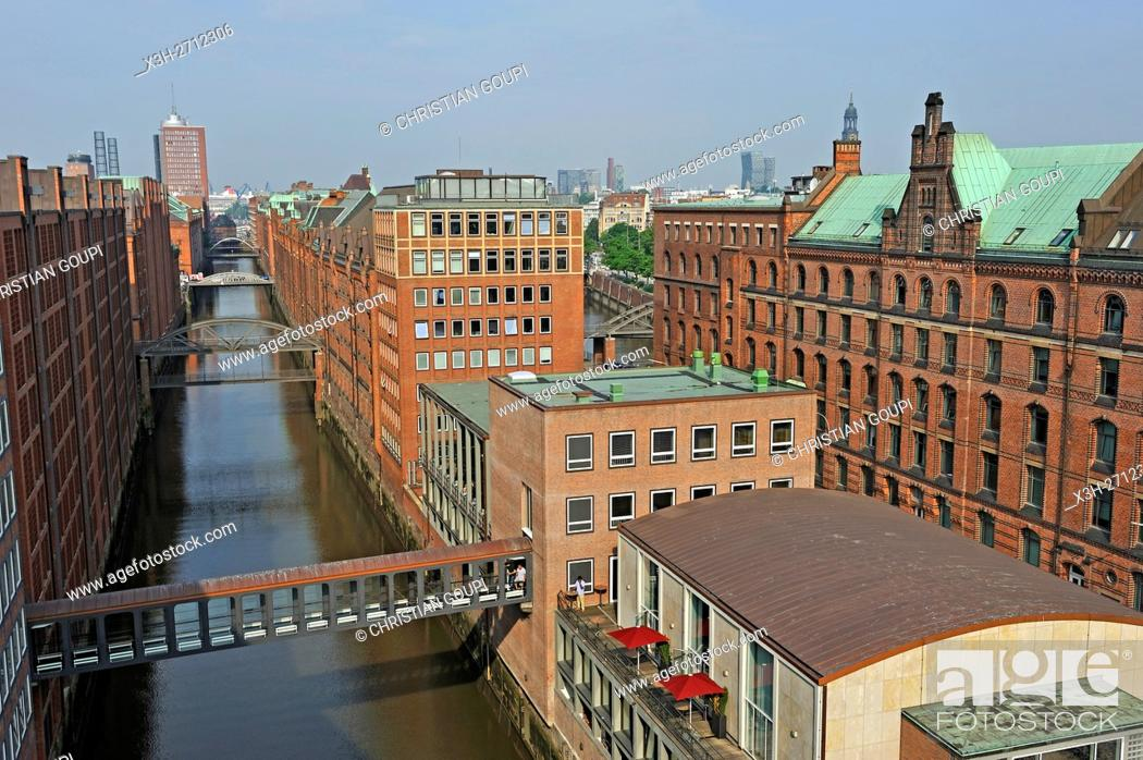 Stock Photo: footbridge of Ameron Hotel Speicherstad over the Brooksfleet canal, HafenCity quarter, Hamburg, Germany, Europe.