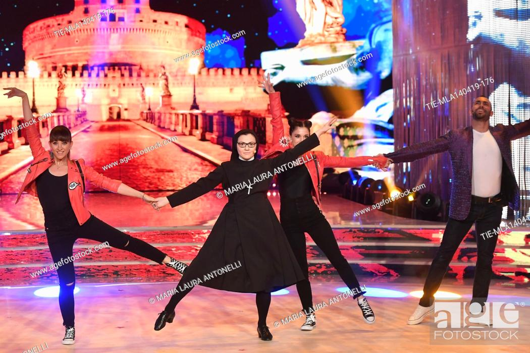 Imagen: Sister Cristina during the performance at the talent show ' Ballando con le stelle ' (Dancing with the stars) Rome, ITALY-14-04-2019.