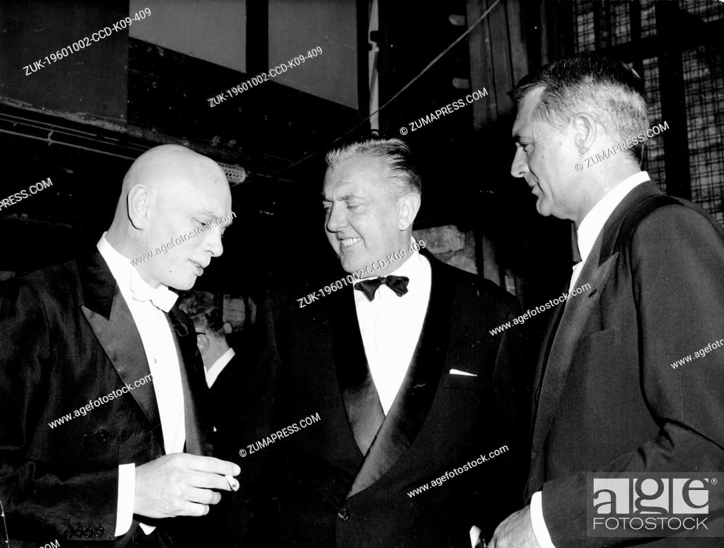 Oct  2, 1960 - London, England, U K  - Actor CARY GRANT