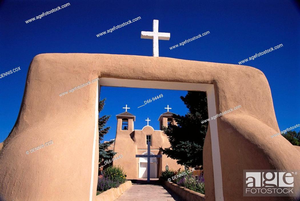 Stock Photo: San Francisco de Asís Church built in 1815 by Franciscans, Ranchos de Taos. New Mexico, USA.