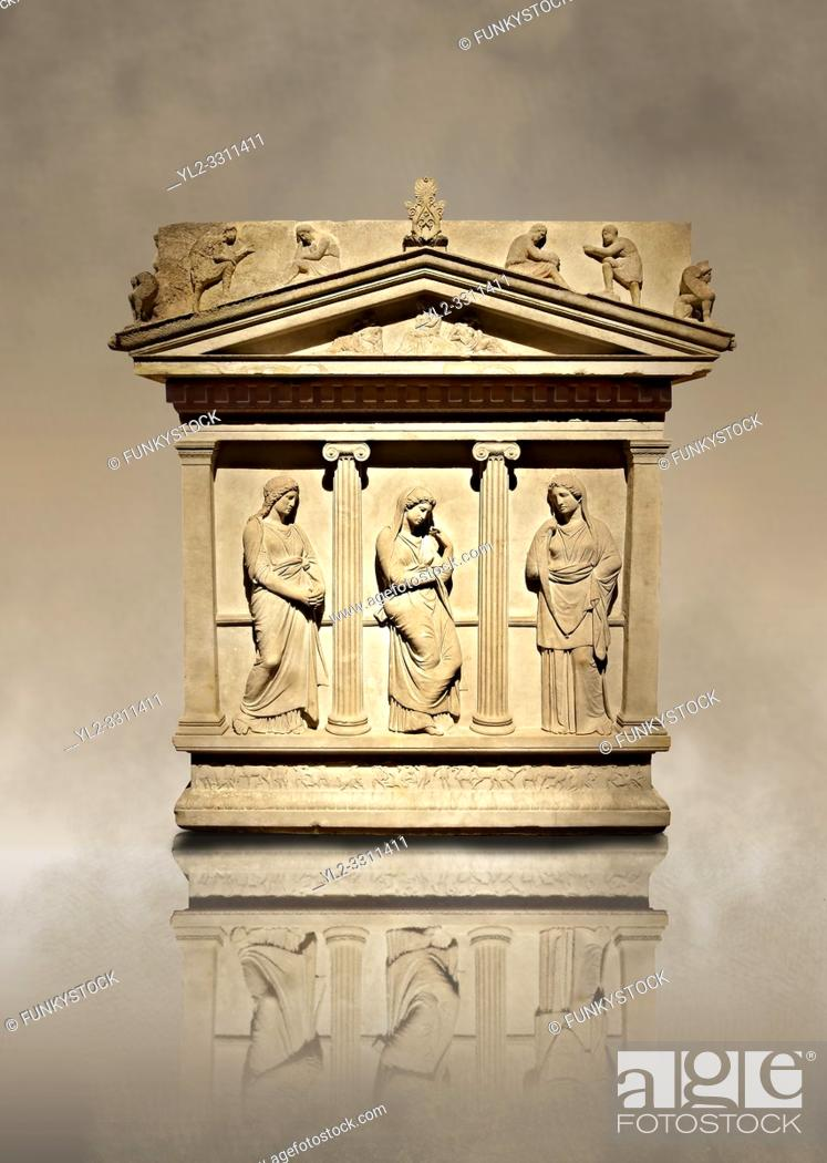 Imagen: Sarcophagus of The Mourning Women, 4th cent. B. C Greek from the Royal Necropolis of Sidon , Chamber no I, Lebanon, Istanbul Archaeological Museum Inv.