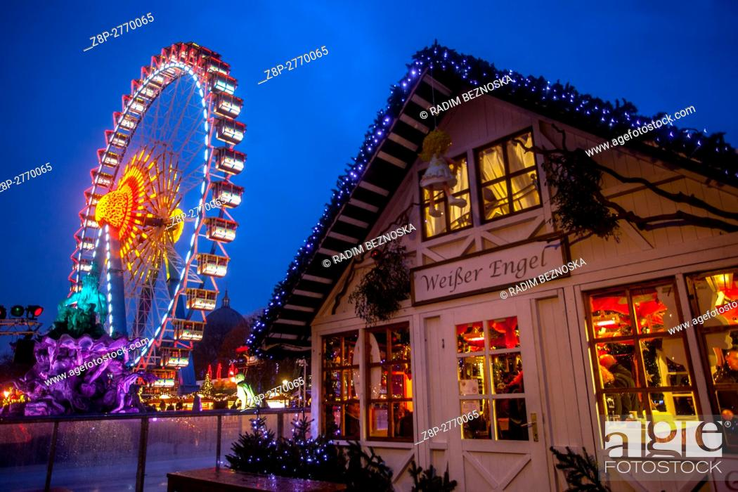 Photo de stock: Germany, Berlin, Christmas atmosphere at Alexanderplatz.