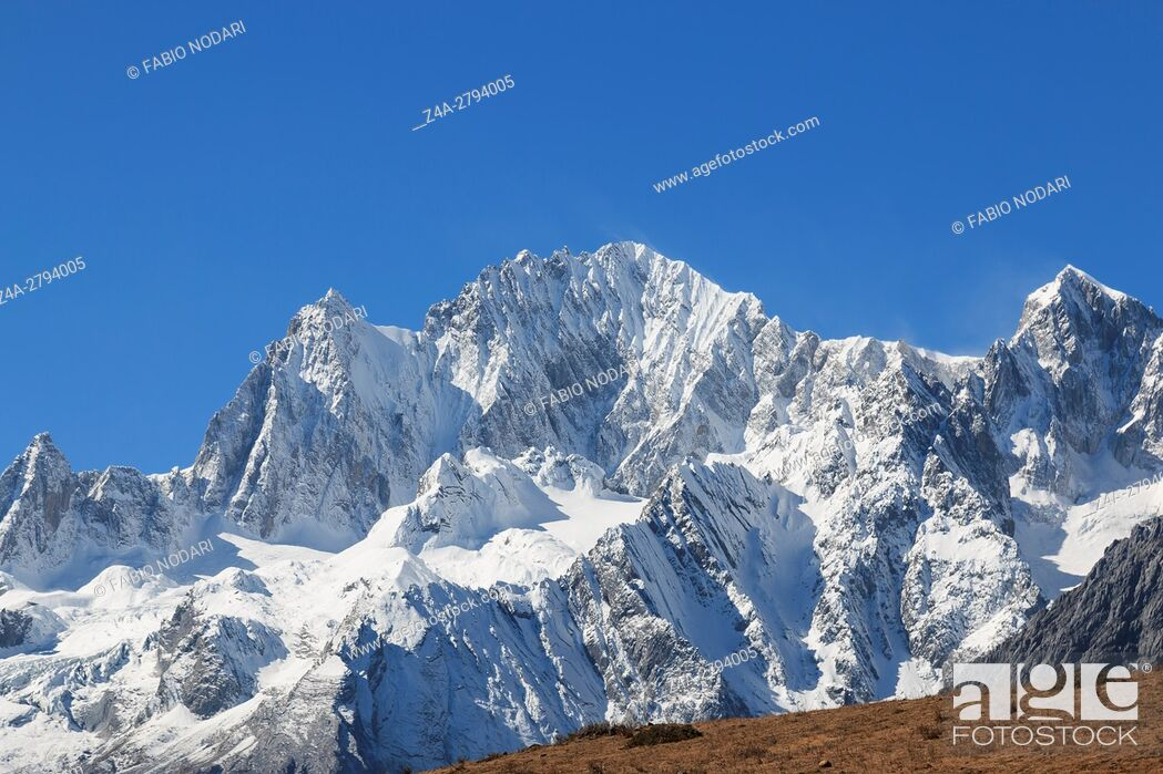 Stock Photo: Panoramic view of the Jade Dragon Snow Mountain in Yunnan, China.