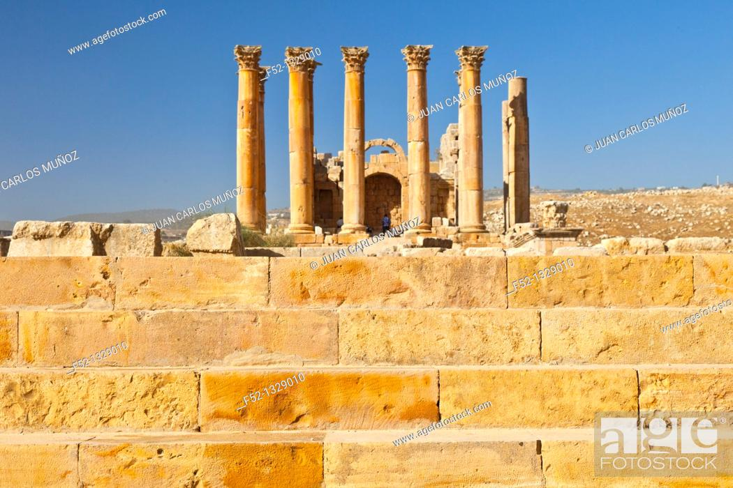 Stock Photo: Temple of Artemisa or Diana, Greco-Roman city of Jerash, Jordan, Middle East.
