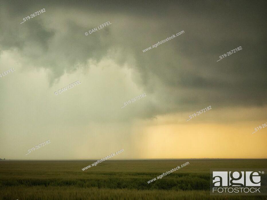 Imagen: Super Cell Storm Over Kansas.